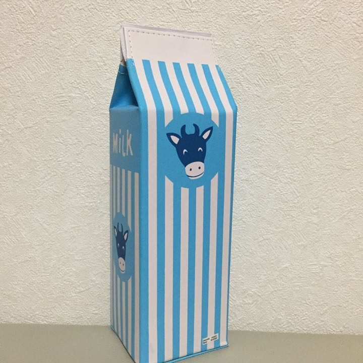 牛乳パック型ペンケース
